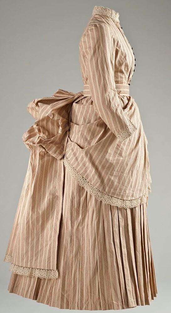 絵画の中のファッション、19世紀フランスのスーラ